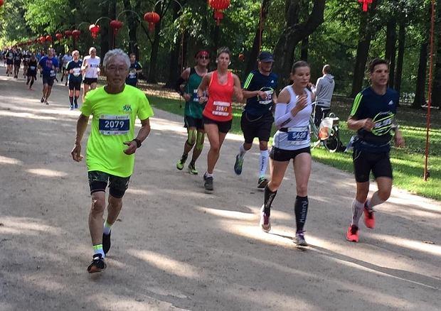 profesor Hiroaki Tanaka na Maratonie Warszawskim