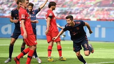 Bayer Leverkusen - Bayern Monachium. Gola strzela Robert Lewandowski