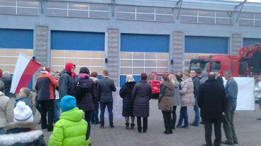 Uroczystość z udziałem Zbigniewa Bródki na terenie Jednostki Ratowniczo-Gaśniczej nr 17 Komendy Miejskiej Państwowej Straży Pożarnej
