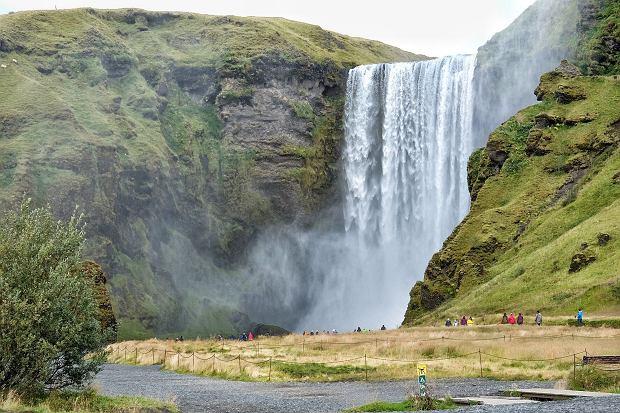 Jeden z islandzkich wodospadów