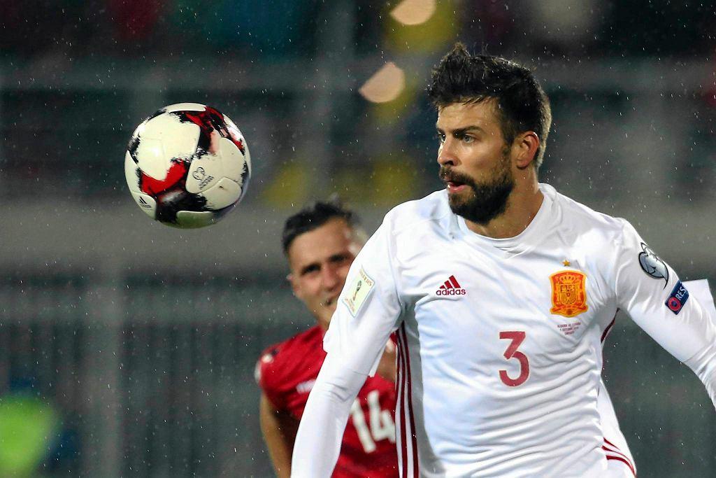 Gerard Pique w meczu Albania - Hiszpania