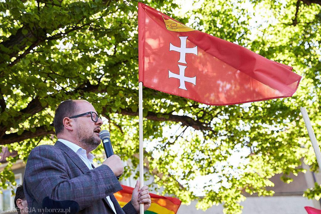 Prezydent Gdańska Paweł Adamowicz podczas Trójmiejskiego Marszu Równości. Gdańsk, 27 maja 2017.