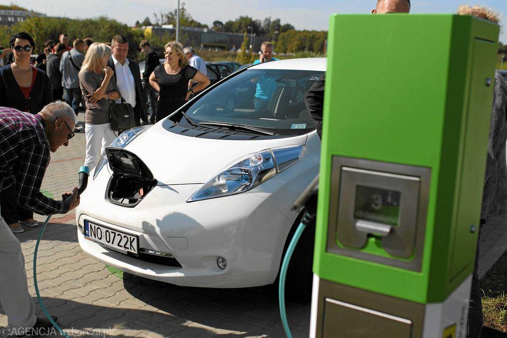 Punkt ładowania samochodów elektrycznych w Parku Naukowo-Technologicznym w Olsztynie