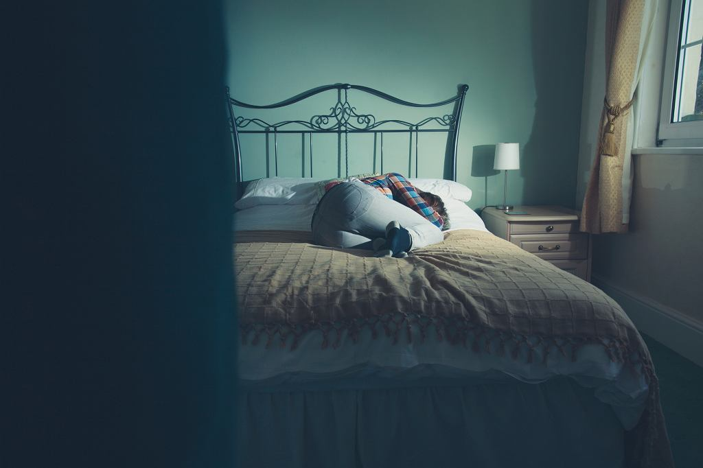 W chorobie afektywnej dwubiegunowej przez pół roku można nie wstawać z łóżka, a przez kolejne miesiące przenosić góry (fot. iStockphoto.com)
