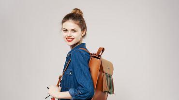 Szybkie fryzury do szkoły. Jak przygotować proste upięcia zaraz przed wyjściem z domu?