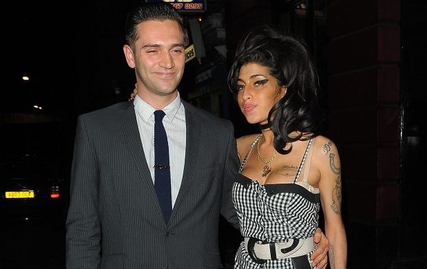 Reg Traviss i Amy Winehouse.