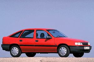 Opel Vectra A (1988-1995) - opinie Moto.pl