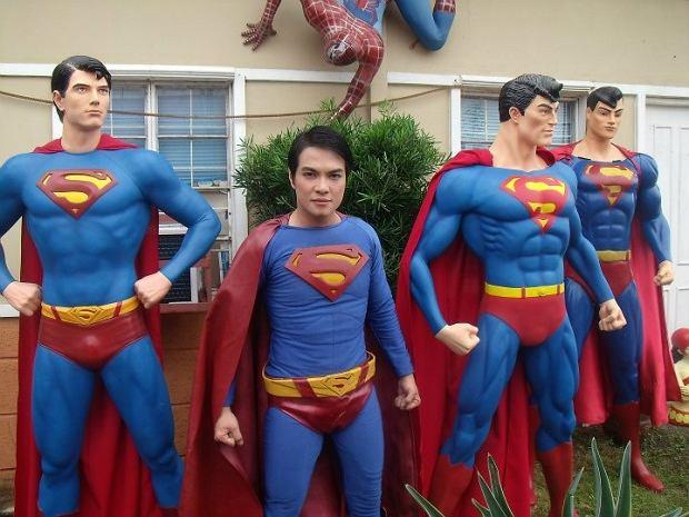 Herbert Chavez przeszedł kilka operacji, by upodobnić się do Supermana.