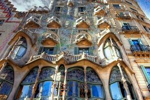 Hiszpania. Barcelona - miasto designu i... fiesty