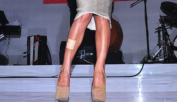 Co za nogi! Co za buty! I pomyśleć, że takie cuda są w Polsce. A zjawiskowe ciało należy do Justyny Steczkowskiej. Gwiazda wystąpiła w centrum handlowym