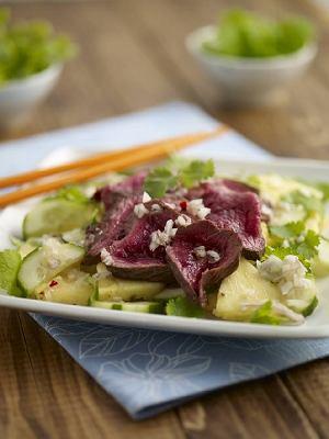 Wietnamska sałatka z wołowiną