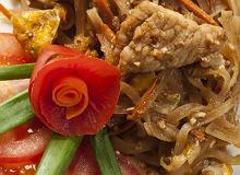 Makaron z wieprzowiną i warzywami - ugotuj