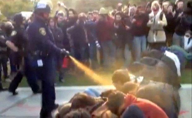 Incydent na kampusie Davis