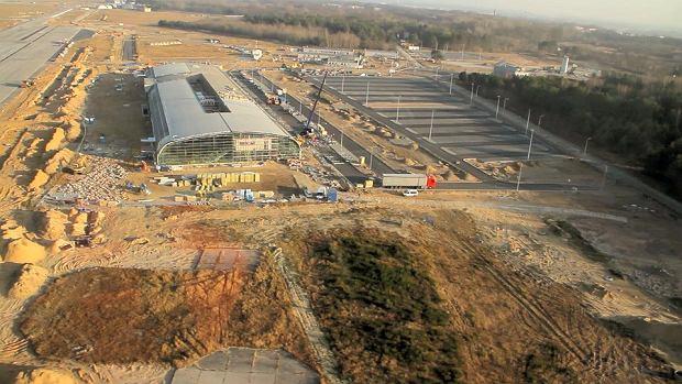Zdjęcie numer 0 w galerii - Nowe lotnisko prawie gotowe! Zobacz z lotu ptaka