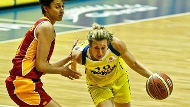 Lotos Gdynia (żółte stroje) chce obronić Puchar Polski