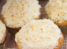 Babeczki waniliowo-kokosowe z kremem kokosowym - ugotuj