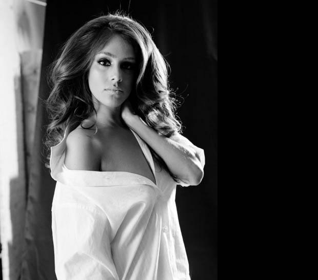 Sandra Echeverria, telenowela, piosenkarka