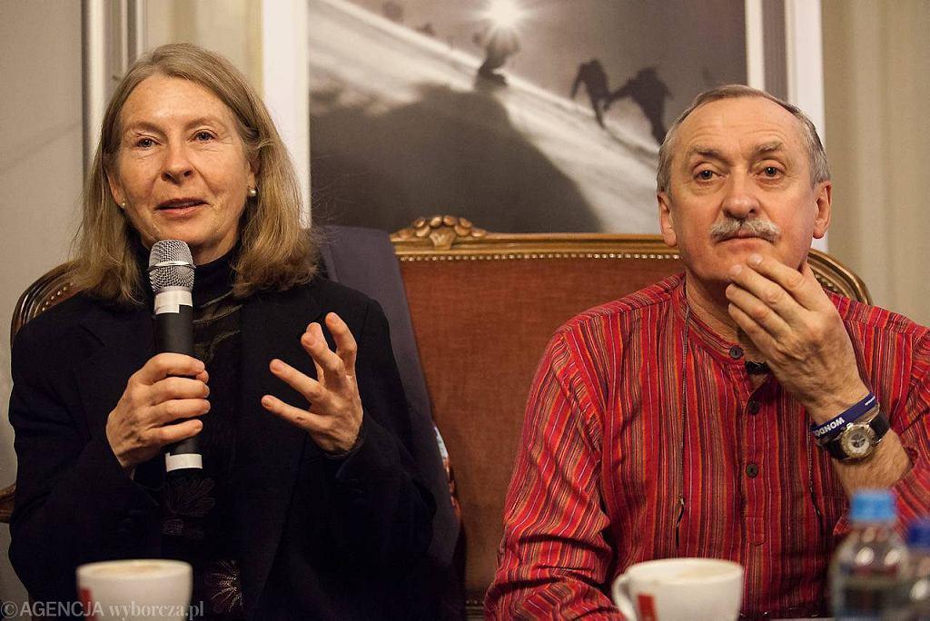 Bernadette McDonald i Krzysztof Wielicki podczas spotkania z czytelnikami w Gazeta Cafe przy ul. Brackiej w Krakowie (marzec 2012)