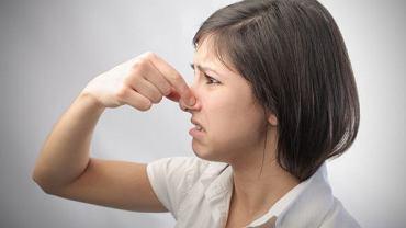 Parosmia to zaburzenie po COVID-19, które  ozdrowieńcy jeszcze długo odczuwają.