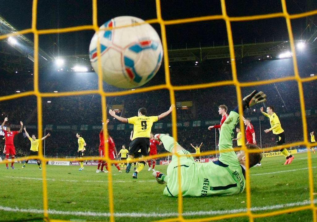 Gol Roberta Lewandowskiego w meczu Borussia - Bayern (1:0)