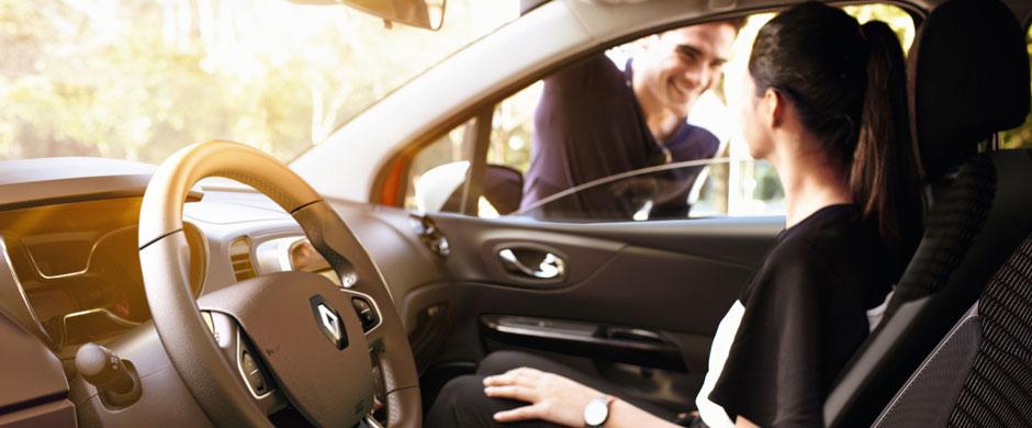 Dzięki wachlarzowi elementów do personalizacji możesz stworzyć samochód dopasowany do Twojego stylu. Dwukolorowe nadwozie, naklejki, obręcze kół, zewnętrzne i wewnętrzne elementy ozdobne. Wybierz wygląd samochodu, który najbardziej do Ciebie pasuje!