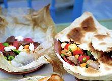 Kleftiko, mięso z warzywami pieczone w pergaminie - ugotuj