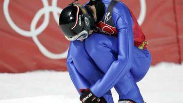 Andreas Widhoelzl zepsuł pierwszy skok w konkursie drużynowym, ale to nie przeszkodziło Austriakom w zdobyciu złotego medalu