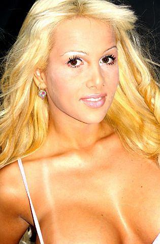Karolina Pierce porno