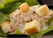 Sałatka z tuńczyka i jajek - ugotuj