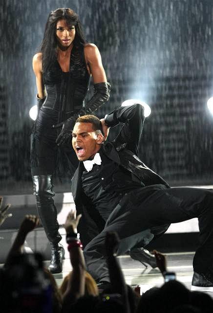 Chris Brown i Ciara w odważnych pozach na BET Awards