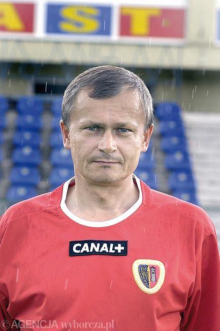 Marek Majka w koszulce Piasta Gliwice. Zdjęcie z 2004 roku