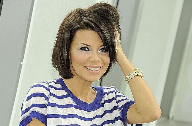 Gwiazda zmieniła fryzurę, która dodała jej nieco naturalności. Zmiana na lepsze czy na gorsze?