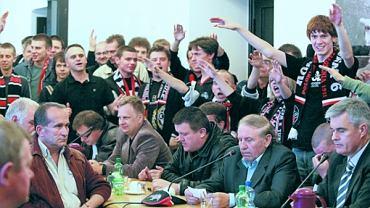 Jerzy Piekarzewski siedzi drugi z prawej