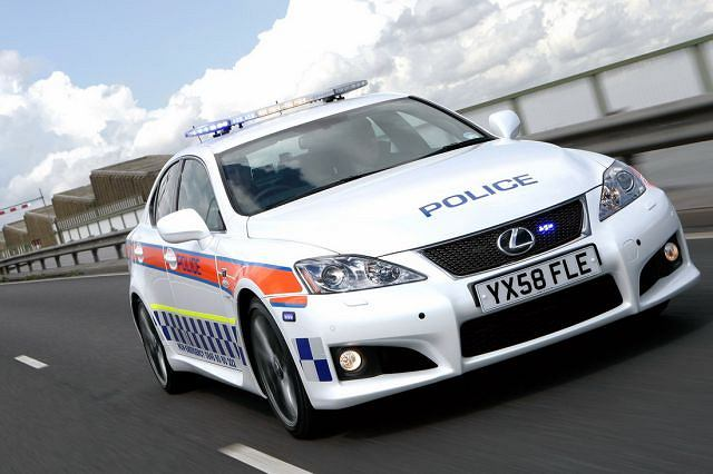 Lexus IS-F w barwach policji z Humberside