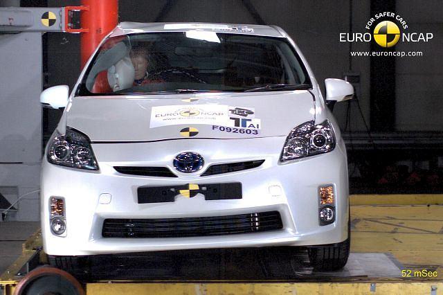 Test zderzeniowy Toyota Prius