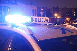 Wystraszona nastolatka zadzwoniła po policję, bo jej matka była pijana i awanturowała się. W domu był jeszcze dwulatek