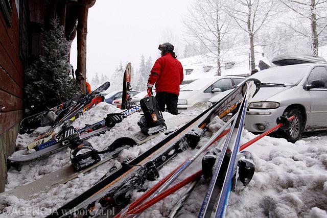 Beskidy. Ze sprzętu narciarskiego lepiej nie spuszczać oka