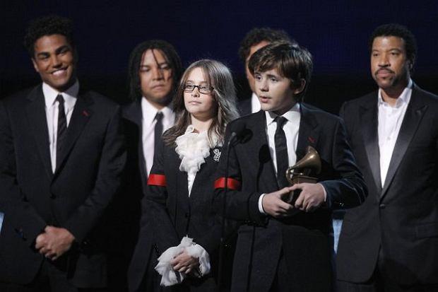 Zdjęcie numer 4 w galerii - Dwie największe triumfatorki Grammy 2010 [galeria]