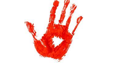 Co roku w rocznicę śmierci Baronessy Lanza na murze zamku w Carini pojawia się krwawy ślad dłoni