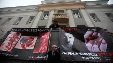 """Akcja """"Stop Aborcji"""" prowadzona przez fundację Pro-Prawo Do Życia"""