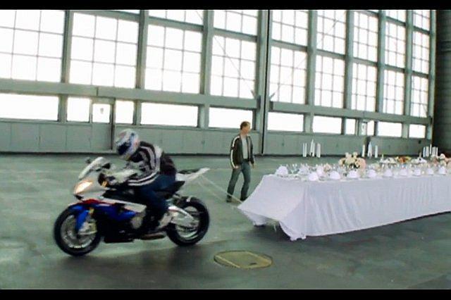Reklama BMW S 1000 RR