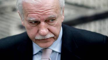 Andrzej Olechowski ma trzy dni na dostarczenie do PKW wymaganych dokumentów