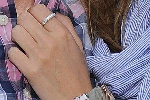 Borys i Kaja wspólnie odwiedzili Mistrzostwa Polo krajów Europy Środkowej. Śródka dumnie prezentowała pierścionek zaręczynowy.