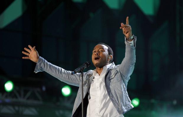 John Legend na koncercie otwierającym Mistrzostwa Świata w Piłce Nożnej w RPA.
