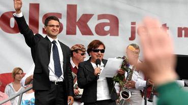 Beata Kempa i Mariusz Kamiński na wiecu wyborczym Jarosława Kaczyńskiego w Łodzi