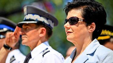 Hanna Gronkiewicz-Waltz podczas przekazania nowej łodzi Airboat policjantom z komisariatu rzecznego