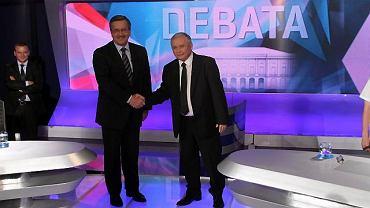 Debata zaczęła się od podania sobie rąk