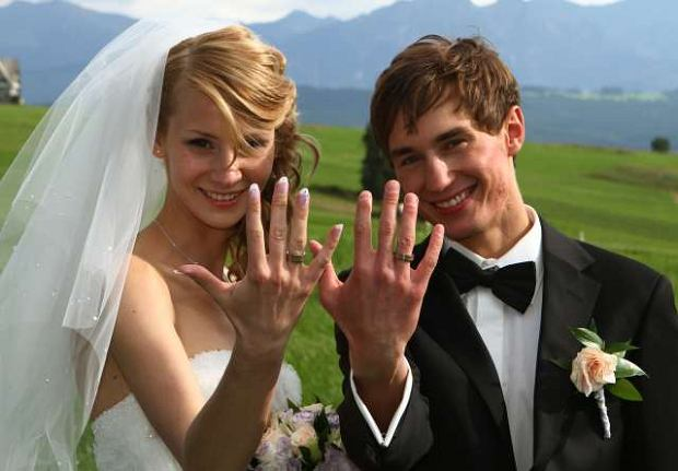 Kamil Stoch wziął ślub z Ewą Bilan.