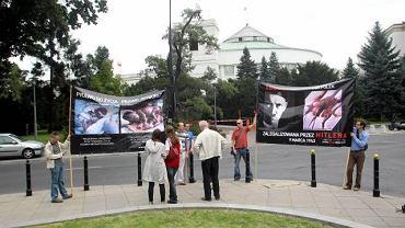 Sierpień 2010, manifestacja przeciw aborcji pod Sejmem
