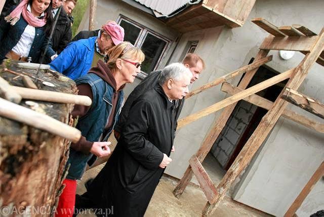 27 września. Prezes PiS Jarosław Kaczyński przyjechał na Lubelszczyznę do gmin dotkniętych majową i czerwcową powodzią